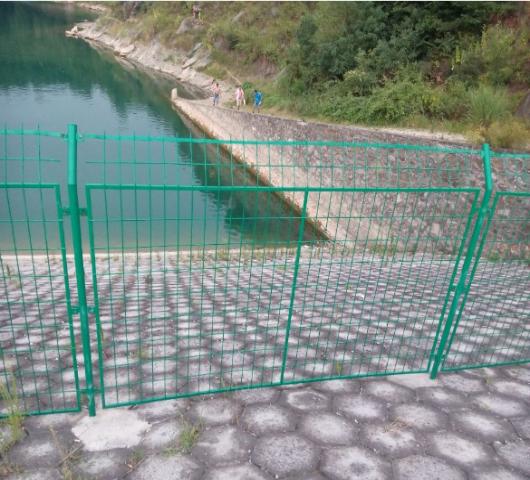 鄂州天然泳池护栏